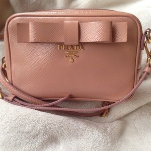 AUTHENTIC PRADA SAFFIANO CROSSBODY CAMERA BAG
